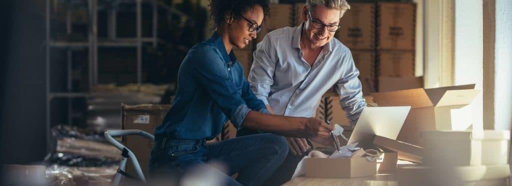 Man och kvinna som startat företag