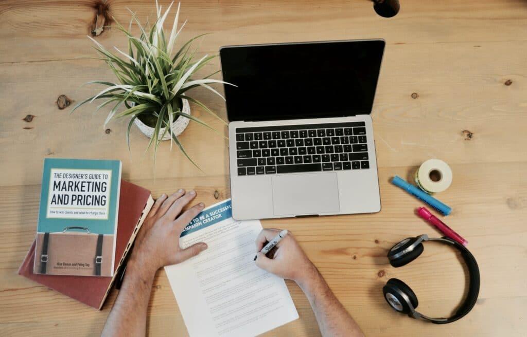 17 tips för att skapa en marknadsföringsplan för ditt företag